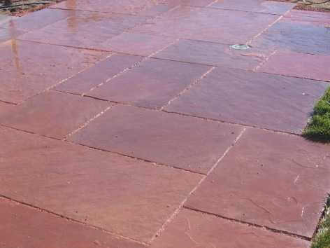 cut flagstone patio and stairs (close)