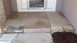 Colorado Buff Cut Flagstone Steps at Entrance.